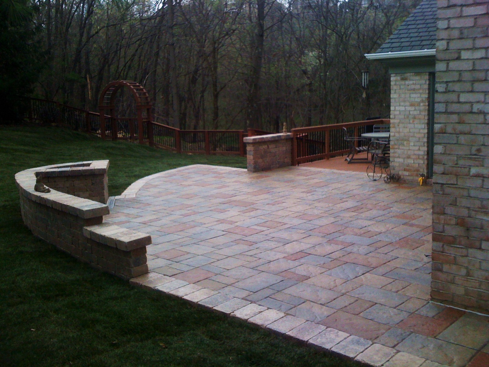 Techo Block Paver with Seating Wall
